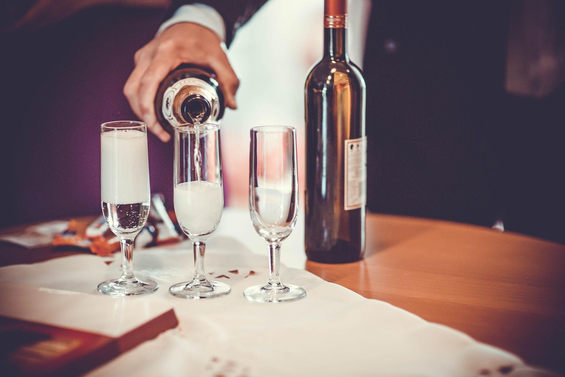 Champagne Easy Party avec flûtes